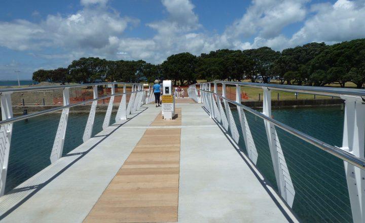 Wairau Stream Pedestrian Bridge
